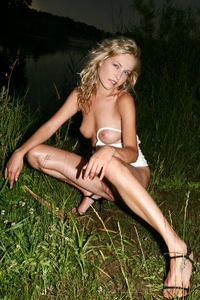 Cheeky blonde babe Wildy outdoor 08