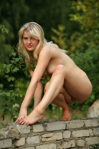 Young blonde Nikki first time shot outdoor