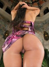 Hot Lexa's tight bubble butt