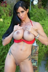 Busty Jewels Jade huge round tits & clit
