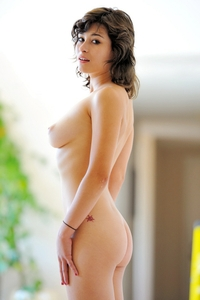 Gorgeous Raven perfect body naked