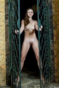 Amazing Vittoria Amada Mamecu posing