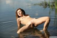 Amateur exgirl Brigitte spreading legs