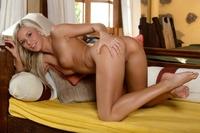 Cute blonde Dido's juicy pussylips