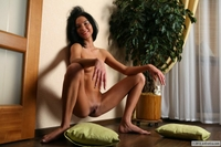 Amateur exgirl Sandra naked at home