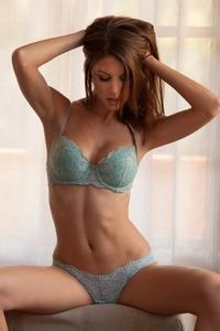 Temptingd Amber Sym stripping