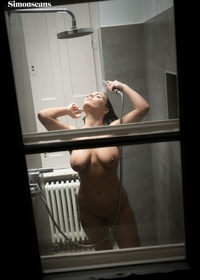 Amateur chick Amy under the shower