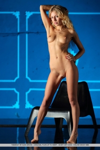 Gorgeous blone Tamara posing naked
