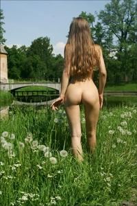 Adorable teen Alisa posing naked outdoor