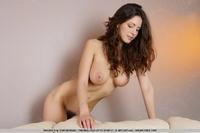 Busty babe Julia's natural big boobies