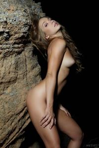 Beautiful young virgin Darina posing naked