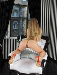 Hot blonde Cayenne Klein's perfect ass