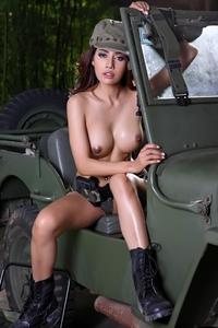 Hot asian babe Avalyn posing naked