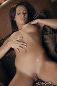 Hot Victoria Lynn's perky tits