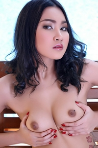 Cute asian virgin Shirley posing naked