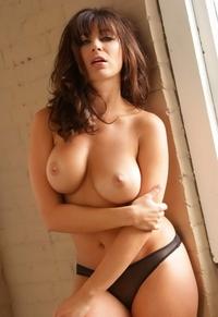 Busty babe Rachelle big boobies