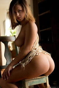 Gorgeous blonde Keisha Grey posing