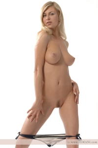 Busty blonde Aphina natural titties