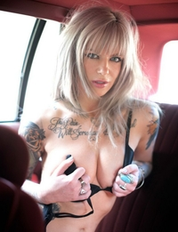Tattooed blonde hooker Vice in the car