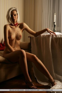 Kinky Kira W In Erotic Art Pictures