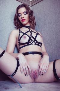 Brunette Vamp Mia Luna