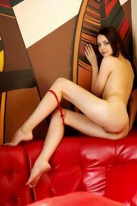 Gorgeous Amelie naked sensuality