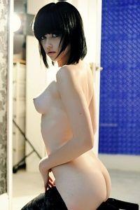 Innocent young Mellisa Clarke posing