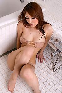 Kokomi Sakura Sexy Bikini