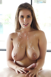 Natural Huge Boobe Chick Gets Creampied
