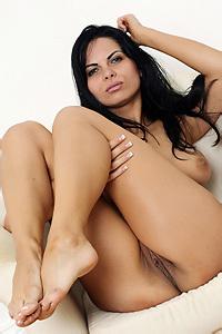Feet - Valentina