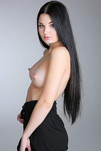 Blackhaired Hottie Celeste